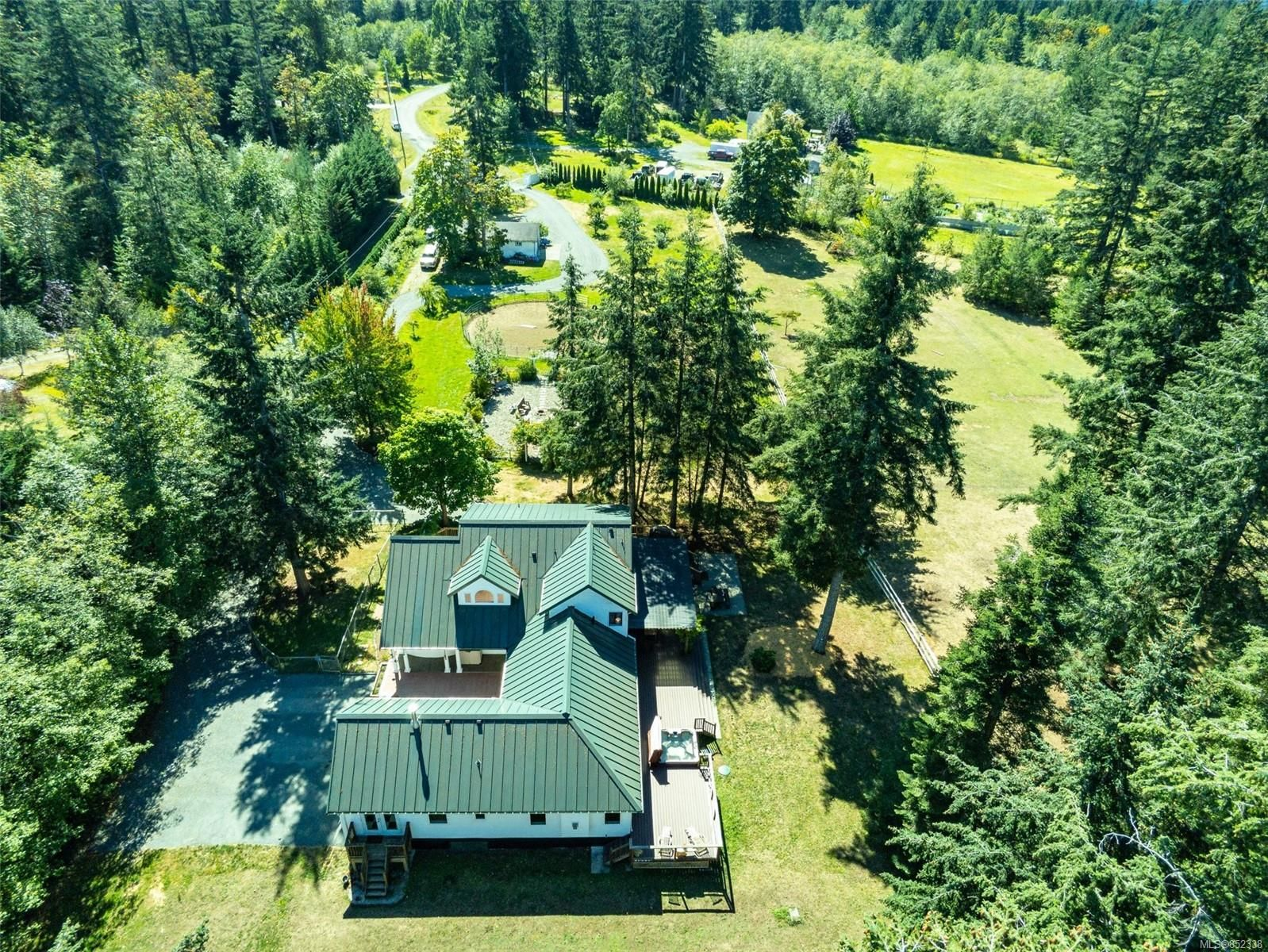 Main Photo: 2344 Grantham Pl in : CV Courtenay North House for sale (Comox Valley)  : MLS®# 852338