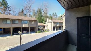 """Photo 6: 8514 WOODTRAIL Place in Burnaby: Forest Hills BN Townhouse for sale in """"SIMON FRASER VILLAGE"""" (Burnaby North)  : MLS®# R2566509"""