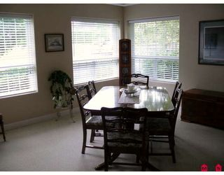 Photo 4: 18752 56A Avenue in Surrey: Cloverdale BC House for sale (Cloverdale)  : MLS®# F2914369