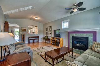 "Photo 6: 5681 CASCADE Crescent in Sechelt: Sechelt District House for sale in ""CASCADE COURT"" (Sunshine Coast)  : MLS®# R2590339"
