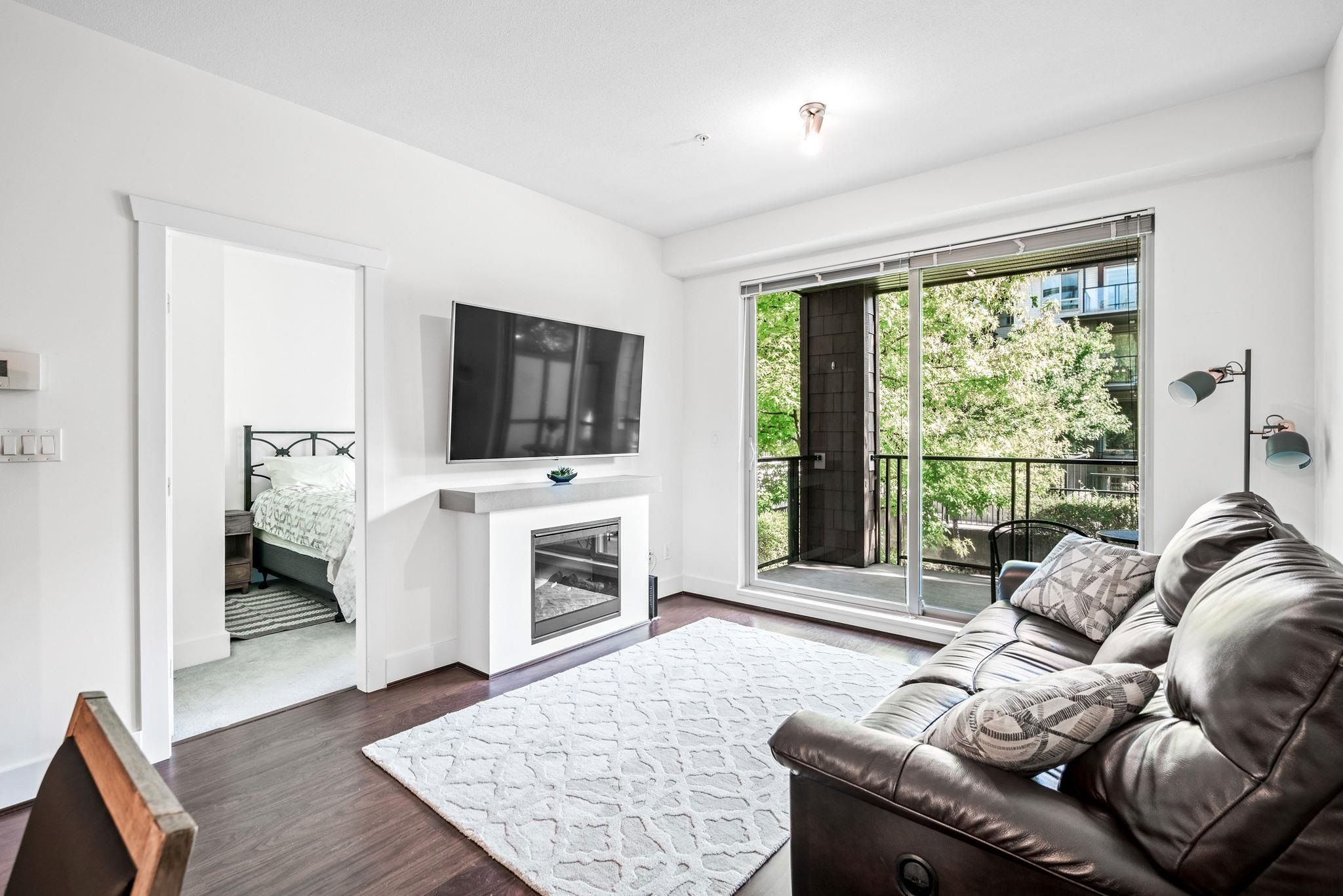 """Main Photo: 210 7428 BYRNEPARK Walk in Burnaby: South Slope Condo for sale in """"GREEN"""" (Burnaby South)  : MLS®# R2617440"""