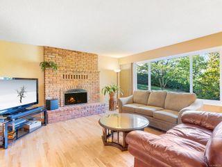 Photo 3: 2749 Joanna Terr in Nanaimo: Na Diver Lake House for sale : MLS®# 887107