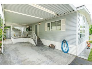 "Photo 2: 53 2315 198 Street in Langley: Brookswood Langley Manufactured Home for sale in ""Deer Creek Estates"" : MLS®# R2393339"