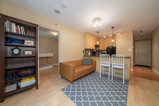 "Photo 5: 305 819 HAMILTON Street in Vancouver: Downtown VW Condo for sale in ""Eight.One.Nine"" (Vancouver West)  : MLS®# R2506322"