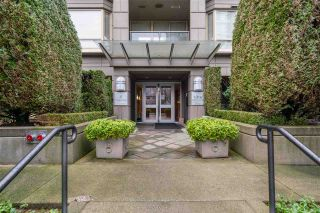 "Photo 5: 802 1316 W 11 Avenue in Vancouver: Fairview VW Condo for sale in ""THE COMPTON"" (Vancouver West)  : MLS®# R2542434"