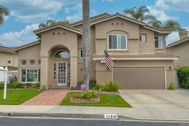 Main Photo: House for sale : 3 bedrooms : 1164 Avenida Frontera in Oceanside