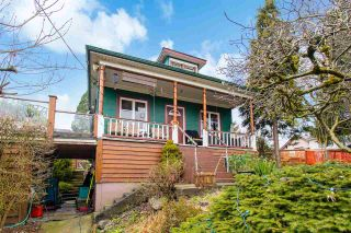 Photo 2: 401 GARRETT Street in New Westminster: Sapperton House for sale : MLS®# R2541428