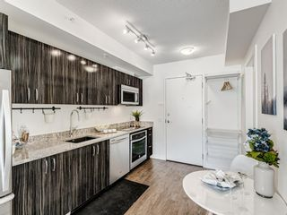 Photo 5: 801 450 8 Avenue SE in Calgary: Downtown East Village Apartment for sale : MLS®# A1071228