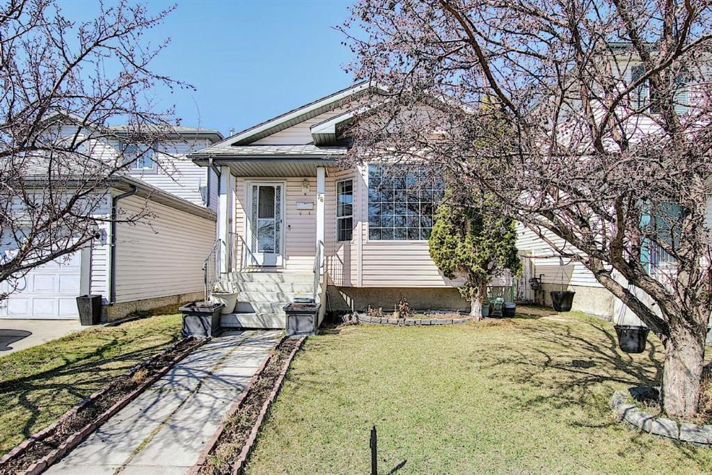 Main Photo: 78 Appleburn Close SE in Calgary: Applewood Park Detached for sale : MLS®# A1100841