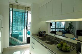 Photo 4: 2001 1238 MELVILLE STREET in Vancouver: Coal Harbour Condo for sale (Vancouver West)  : MLS®# R2051122