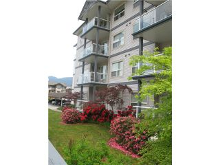 "Photo 12: 211 1203 PEMBERTON Avenue in Squamish: Downtown SQ Condo for sale in ""EAGLEGROVE"" : MLS®# V1064733"