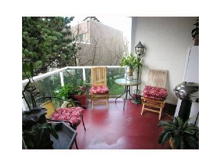 """Photo 11: 504 130 E 2ND Street in North Vancouver: Lower Lonsdale Condo for sale in """"Olympic"""" : MLS®# V1044049"""