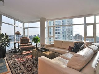 "Photo 3: 1807 198 AQUARIUS MEWS ME in Vancouver: Yaletown Condo for sale in ""AQUARIUS II"" (Vancouver West)  : MLS®# V995255"