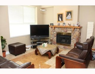 """Photo 6: 224 1465 PARKWAY Boulevard in Coquitlam: Westwood Plateau Townhouse for sale in """"SILVER OAKS"""" : MLS®# V787781"""