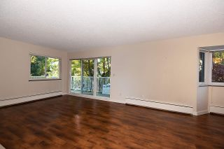 """Photo 7: 203 1696 W 10TH Avenue in Vancouver: Fairview VW Condo for sale in """"Landmark Plaza"""" (Vancouver West)  : MLS®# R2512811"""