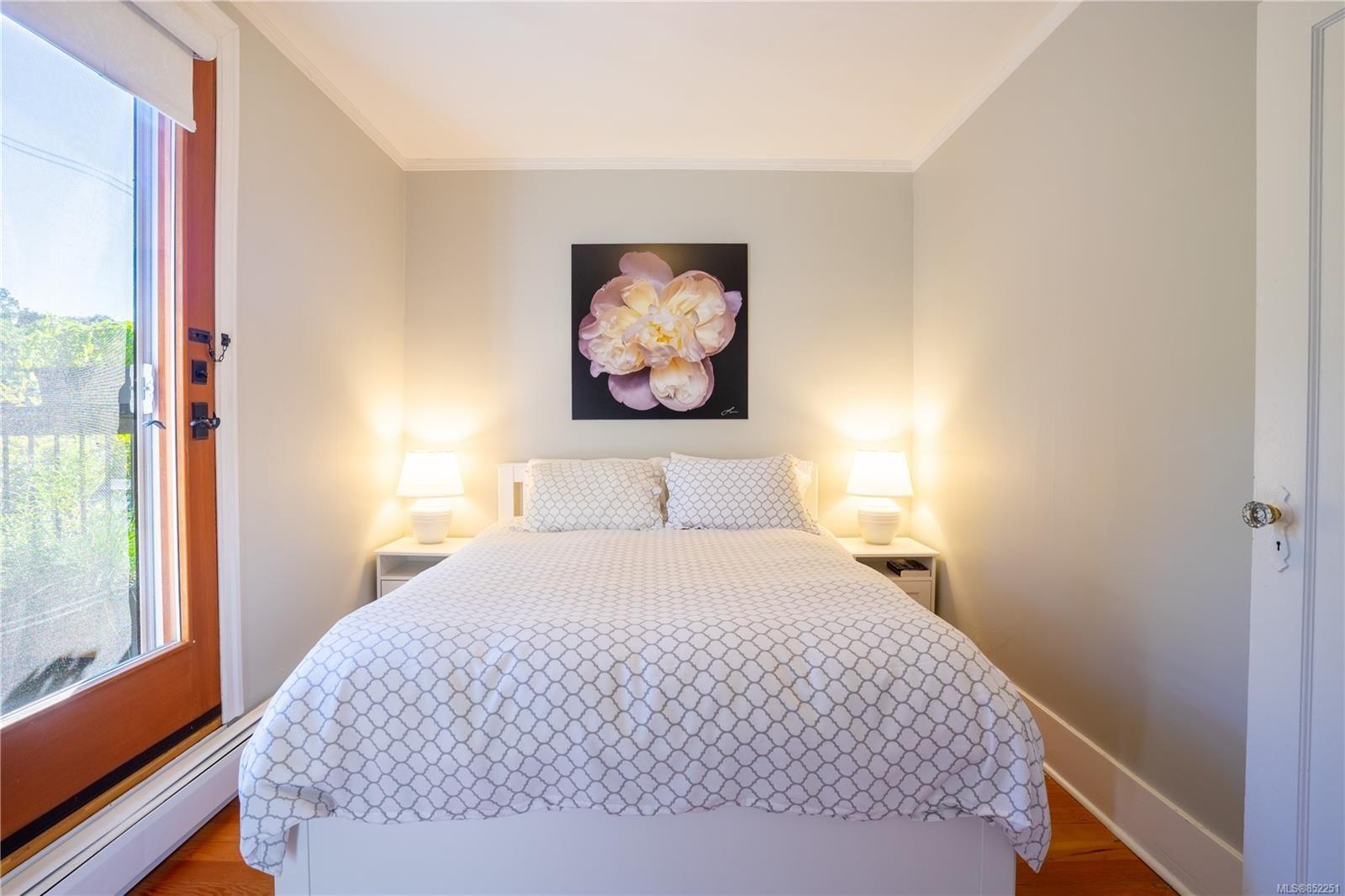 Photo 15: Photos: 2363 Pacific Ave in : OB Estevan House for sale (Oak Bay)  : MLS®# 852251