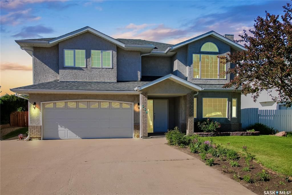 Main Photo: 534 Stillwell Crescent in Swift Current: Highland Residential for sale : MLS®# SK859457