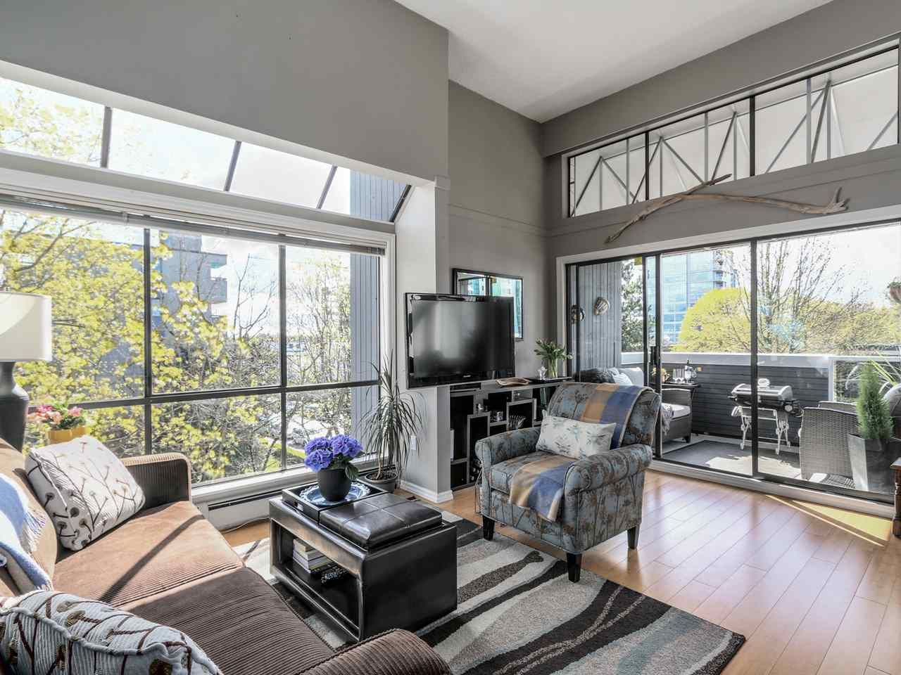Main Photo: P3 2885 SPRUCE Street in Vancouver: Fairview VW Condo for sale (Vancouver West)  : MLS®# R2052789