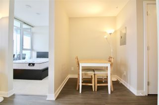 """Photo 4: 1705 4900 LENNOX Lane in Burnaby: Metrotown Condo for sale in """"THE PARK"""" (Burnaby South)  : MLS®# R2352671"""