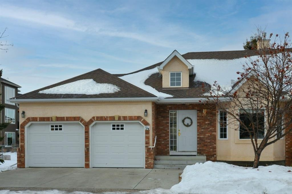 Main Photo: 14 6841 Coach Hill Road SW in Calgary: Coach Hill Residential for sale : MLS®# A1059348