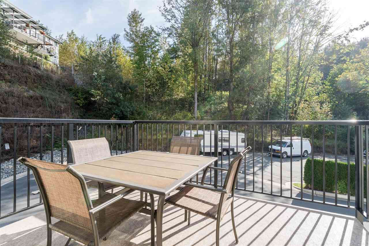 "Photo 16: Photos: 42 34230 ELMWOOD Drive in Abbotsford: Central Abbotsford Townhouse for sale in ""TEN OAKS"" : MLS®# R2501770"
