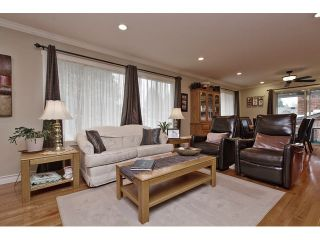 Photo 5: 2377 BEVAN Crescent in Abbotsford: Abbotsford West House for sale : MLS®# F1438355