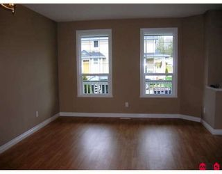 """Photo 3: 7021 180TH Street in Surrey: Cloverdale BC Townhouse for sale in """"PROVINCETON"""" (Cloverdale)  : MLS®# F2730643"""