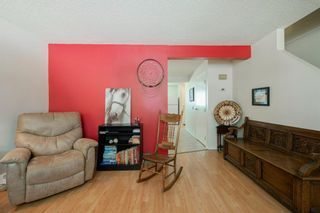 Photo 14: 332 Queenston Heights SE in Calgary: Queensland Row/Townhouse for sale : MLS®# A1114442