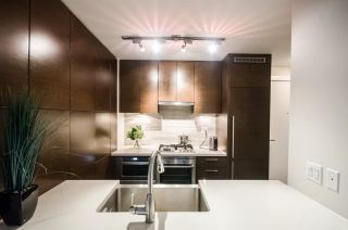 """Photo 5: 604 535 SMITHE Street in Vancouver: Downtown VW Condo for sale in """"DOLCE"""" (Vancouver West)  : MLS®# R2131310"""