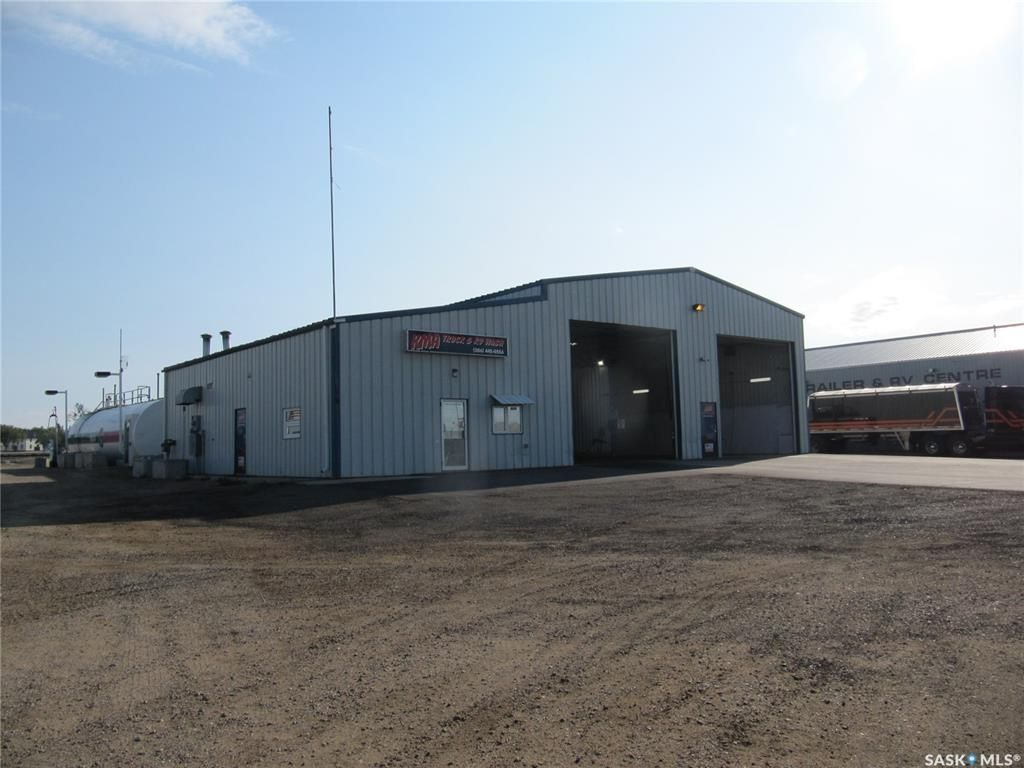 Main Photo: 10002 Thatcher Avenue in North Battleford: Parsons Industrial Park Commercial for sale : MLS®# SK867650