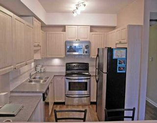 "Photo 2: 11519 BURNETT Street in Maple Ridge: East Central Condo for sale in ""STANFORD GARDENS"" : MLS®# V624078"
