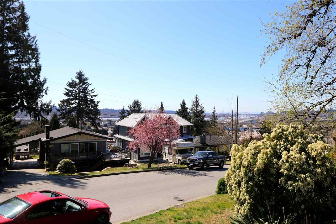 Photo 6: Photos: 313 SEAFORTH Crescent in Coquitlam: Central Coquitlam House for sale : MLS®# R2566060