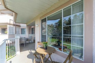 """Photo 10: 102 5375 205 Street in Langley: Langley City Condo for sale in """"GLENMONT PARK"""" : MLS®# R2335377"""