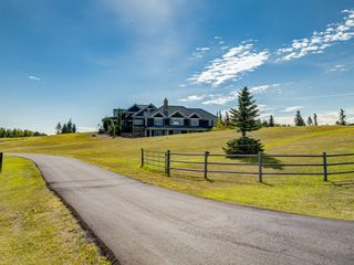 Photo 2: 262050 PRAIRIE WOLF Point in Rural Rocky View County: Rural Rocky View MD Detached for sale : MLS®# A1014544