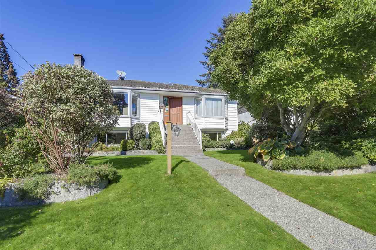 Main Photo: 438 W 28 Street in North Vancouver: Upper Lonsdale House for sale : MLS®# R2313152