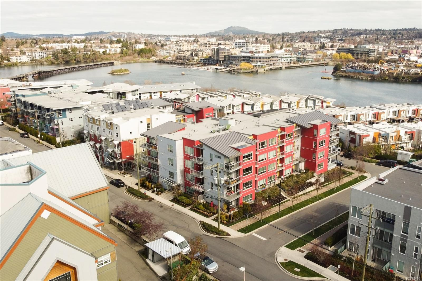 Main Photo: 204 785 Tyee Rd in : VW Victoria West Condo for sale (Victoria West)  : MLS®# 871469