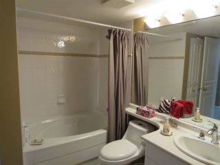 Photo 10: 228 1252 TOWN CENTRE Boulevard in Coquitlam: Canyon Springs Condo for sale : MLS®# R2094814