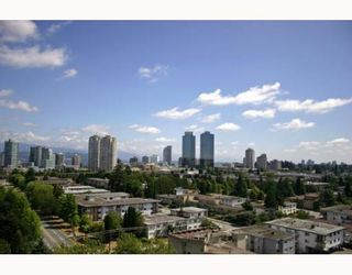 """Photo 2: 1405 4194 MAYWOOD Street in Burnaby: Metrotown Condo for sale in """"PARK AVENUE TOWERS"""" (Burnaby South)  : MLS®# V778073"""