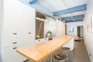 """Photo 6: 303 53 W HASTINGS Street in Vancouver: Downtown VW Condo for sale in """"Paris Block"""" (Vancouver West)  : MLS®# R2600726"""