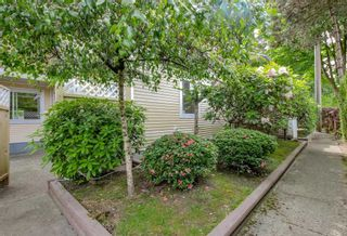 """Photo 18: 2 2223 ST JOHNS Street in Port Moody: Port Moody Centre Townhouse for sale in """"PERRY'S MEWS"""" : MLS®# R2363236"""