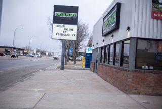 Photo 2: 5008 1 Street W: Claresholm Retail for sale : MLS®# A1088239