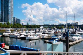 "Photo 23: 2005 193 AQUARIUS Mews in Vancouver: Yaletown Condo for sale in ""Marinaside Resort"" (Vancouver West)  : MLS®# R2604474"