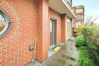 """Photo 2: 218 E 12TH Avenue in Vancouver: Mount Pleasant VE Townhouse for sale in """"DOMAIN"""" (Vancouver East)  : MLS®# R2229708"""
