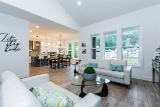 """Photo 7: 13 1885 COLUMBIA VALLEY Road: Lindell Beach House for sale in """"AQUADEL CROSSING"""" (Cultus Lake)  : MLS®# R2434901"""