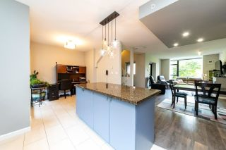 """Photo 11: 1 11 E ROYAL Avenue in New Westminster: Fraserview NW Townhouse for sale in """"Victoria Hill"""" : MLS®# R2496427"""