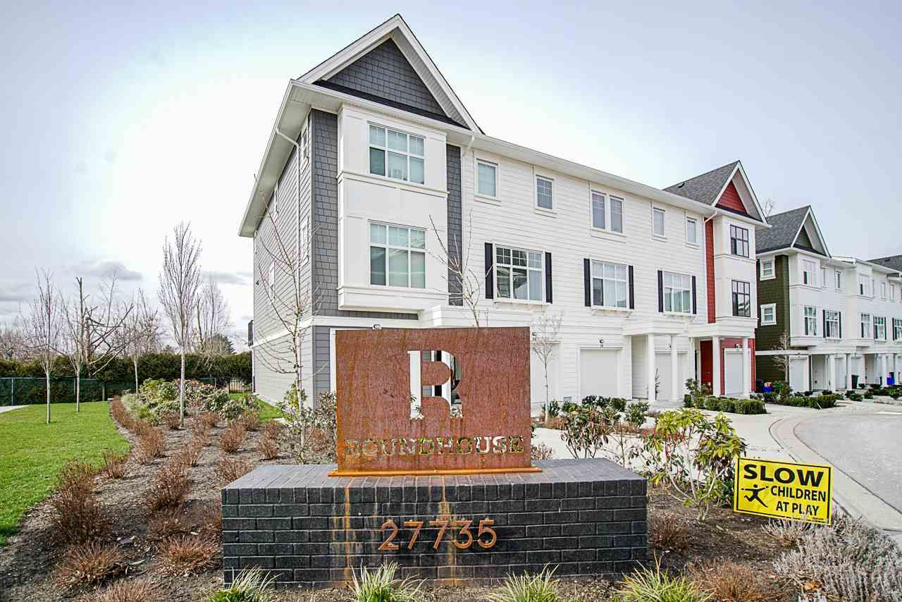 Main Photo: 39 27735 ROUNDHOUSE Drive in Abbotsford: Aberdeen Townhouse for sale : MLS®# R2543501
