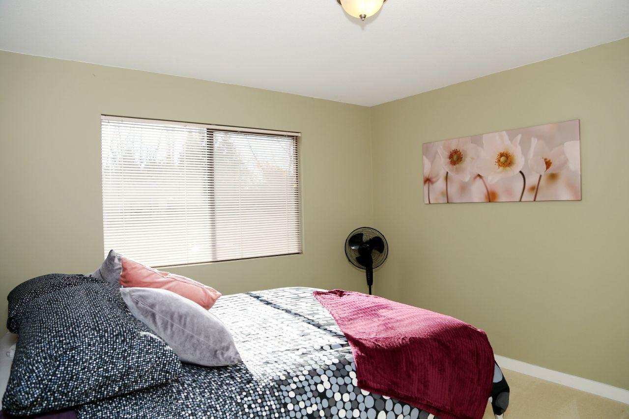 "Photo 11: Photos: 34907 GLENN MOUNTAIN Drive in Abbotsford: Abbotsford East House for sale in ""Glenn Mountain"" : MLS®# R2323820"