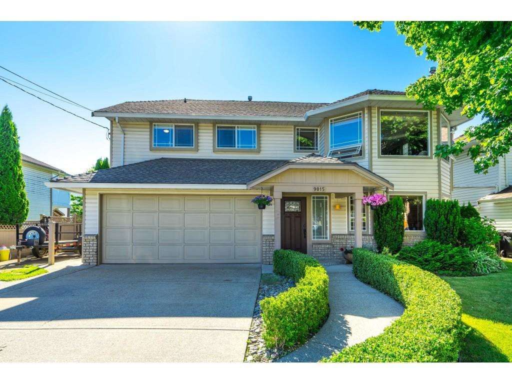Main Photo: 9015 204 ST Street in Langley: Walnut Grove House for sale : MLS®# R2591362