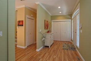 """Photo 2: 32 33925 ARAKI Court in Mission: Mission BC House for sale in """"Abbey Meadows"""" : MLS®# R2103801"""