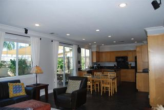 Photo 4: House for sale : 4 bedrooms : 1079 Greenway Rd in Oceanside